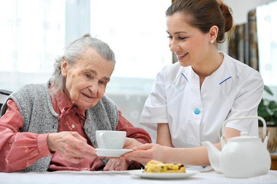 know-when-your-senior-needs-assistance-at-home